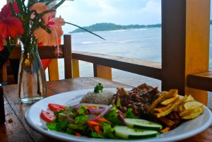 3-places-to-eat-with-a-view-bocas-del-toro